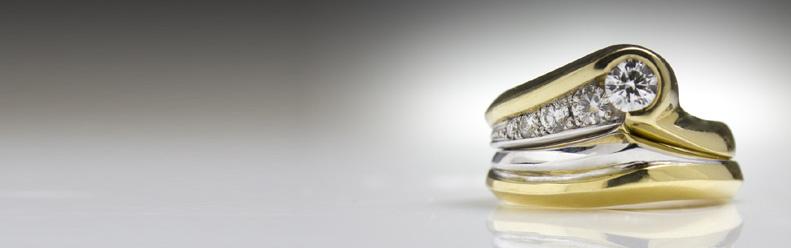 Jeweller Goldsmith contemporary jewellery