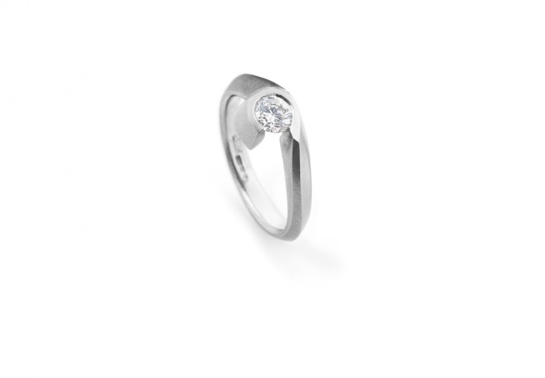 Curve Solitaire Diamond Ring