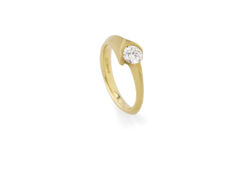 Eros Solitaire Diamond Ring