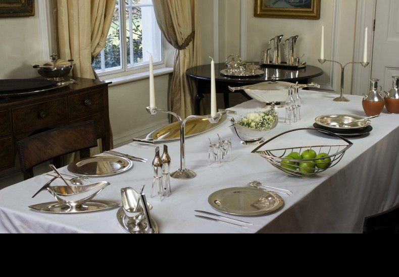 Flow Silver Dinner Service