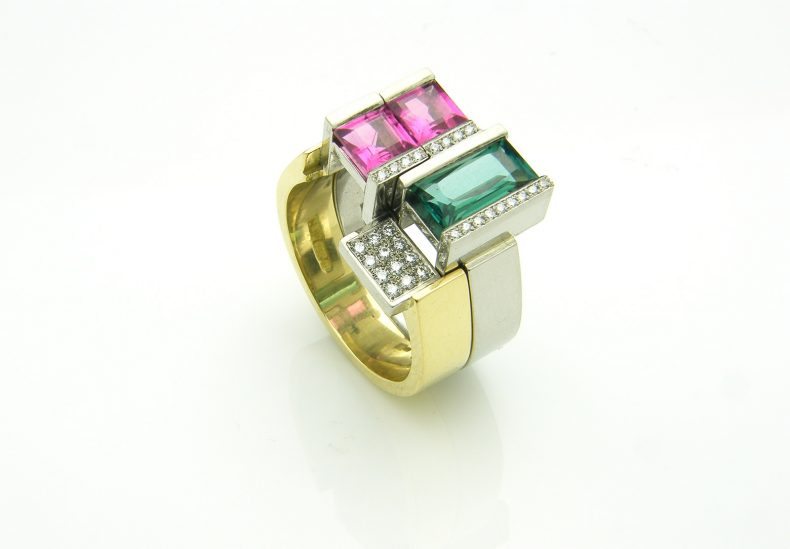Mondrian Interlocking Rings