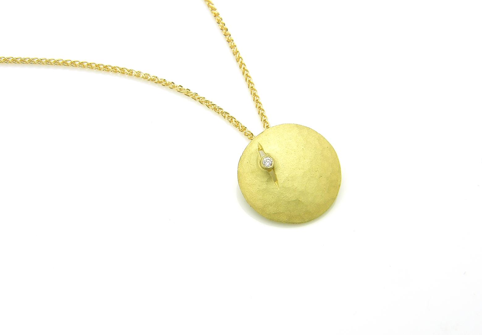 Luna yellow gold Small Pendant